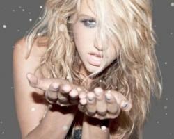 Kesha ritira la causa contro Dr. Luke in California e presenta 28 nuovi brani alla sua etichetta